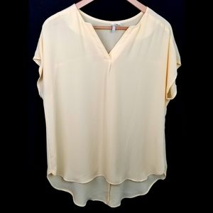 3/$25 Cato blouse large yellow vneck pullover